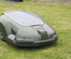 solar-powered-automatic-lawn-mower