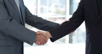 Real Estate Negotiating 101: How to Talk Your Way to a Deal Fearlessly